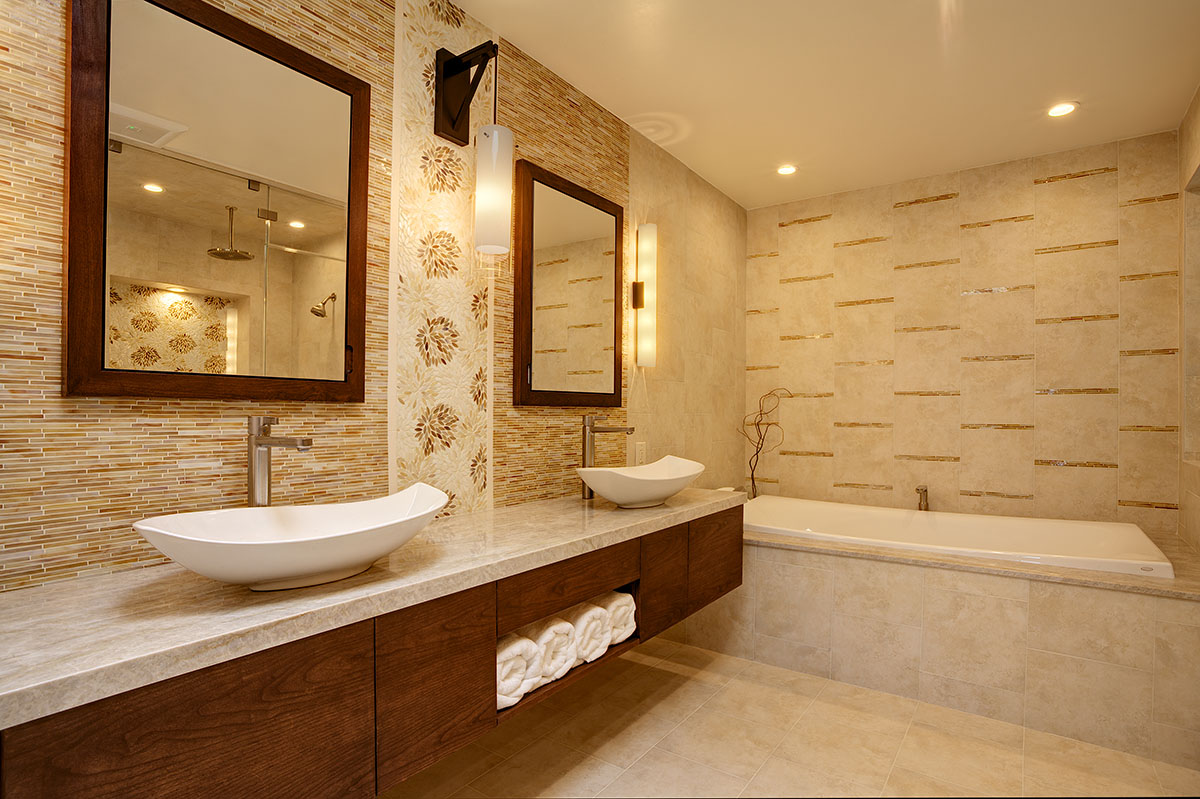 Warm Tones In A Spa Like Atmosphere The Master Bath